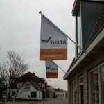 Vlag met mast - Delta Makelaars
