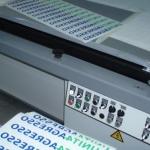 Zeefdruk en digitaal druk - Unit 4 Agresso stickers